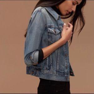Aritzia Talula Edo Vintage Wash Denim Jacket S